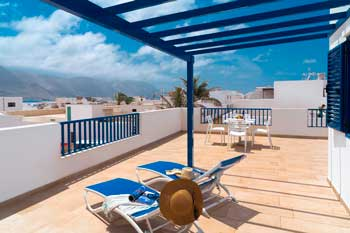 Alquilar apartamento con terraza en La Graciosa, Calimas