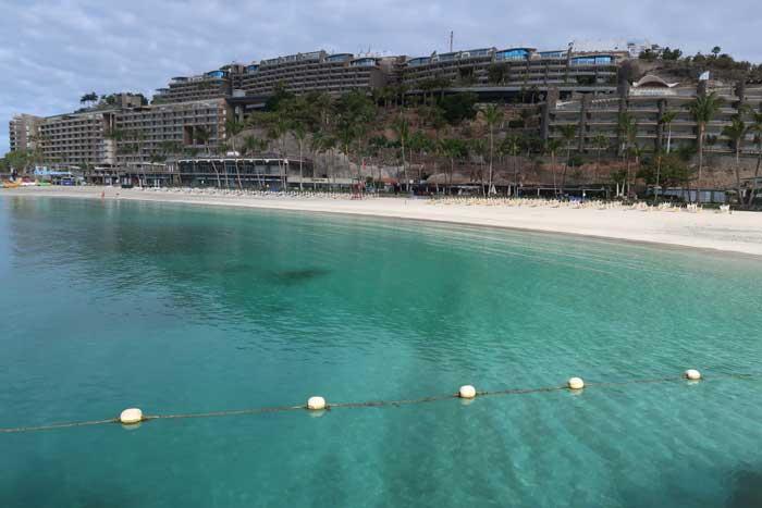Playa de Anfi del Mar en el sur de Gran Canarias