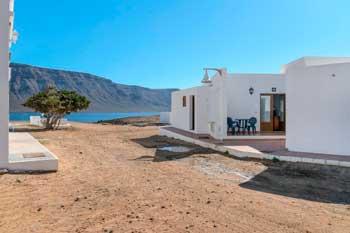 Apartamentos en La Graciosa junto a la playa, Flor F