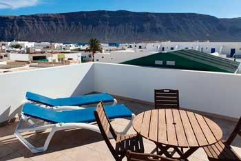 Apartamentos con terraza en Caleta de Sebo Graciosamar
