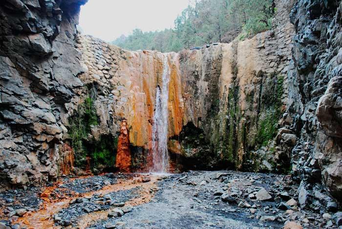 Cascada de Los Colores en la Caldera de Taburiente de La Palma