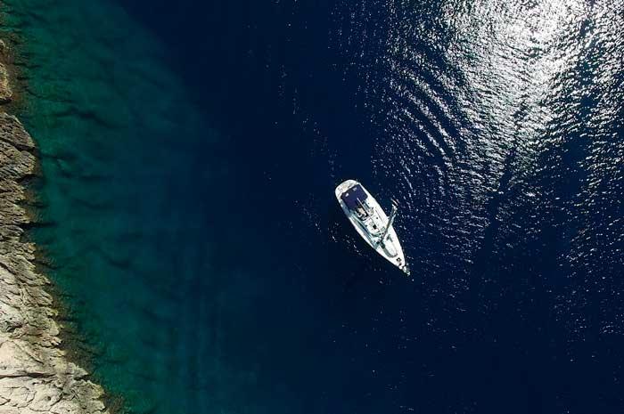 Paseo en yate, una de las mejores excursiones en barco en Gran Canaria