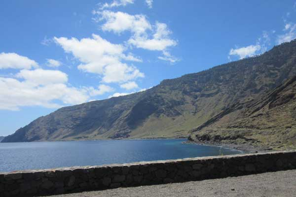 Excursión en barco por la costa de la Isla de El Hierro