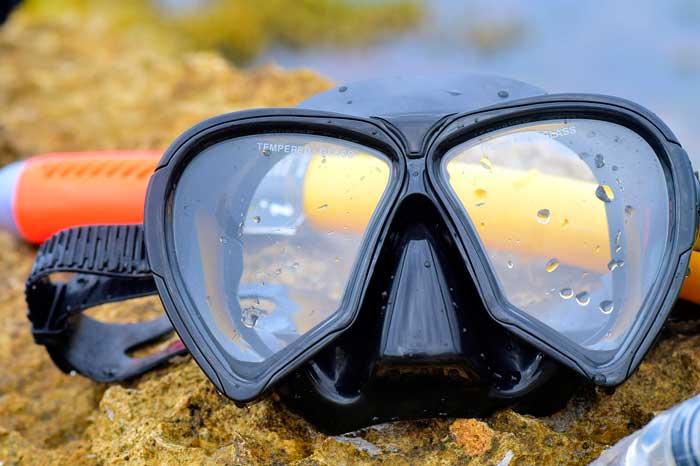 Gafas y tubo para hacer snorkel en La Graciosa