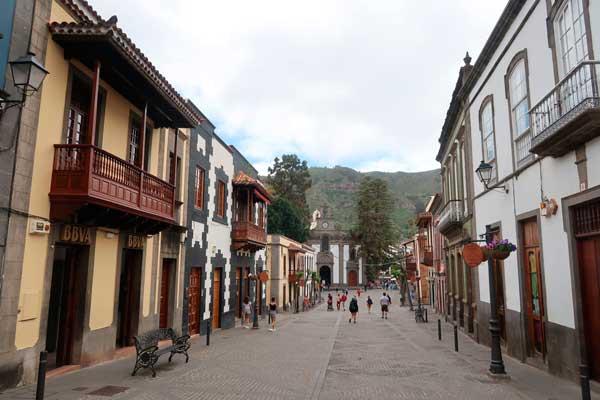 Calle Real de Teror en Gran Canaria