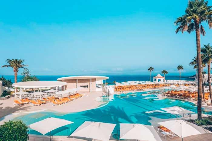 Piscina del Hotel Todo Incluido en Costa Adeje en el sur de Tenerife Iberostar Sabila Only Adults