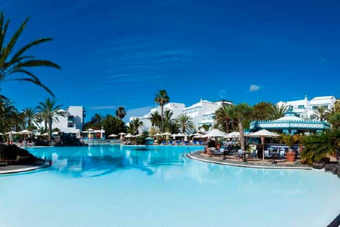 Hotel en Puerto del Carmen con Todo Incluido Seaside Los Jameos