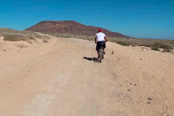 Ruta en bicicleta en La Graciosa