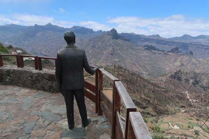 Mirador de la estatua de Unamuno en Artenara