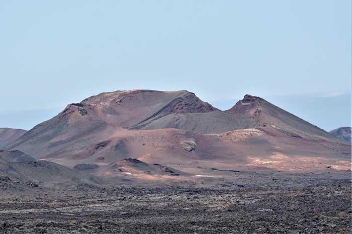 Excursión al Parque Nacional de Timanfaya en Lanzarote desde Fuerteventura