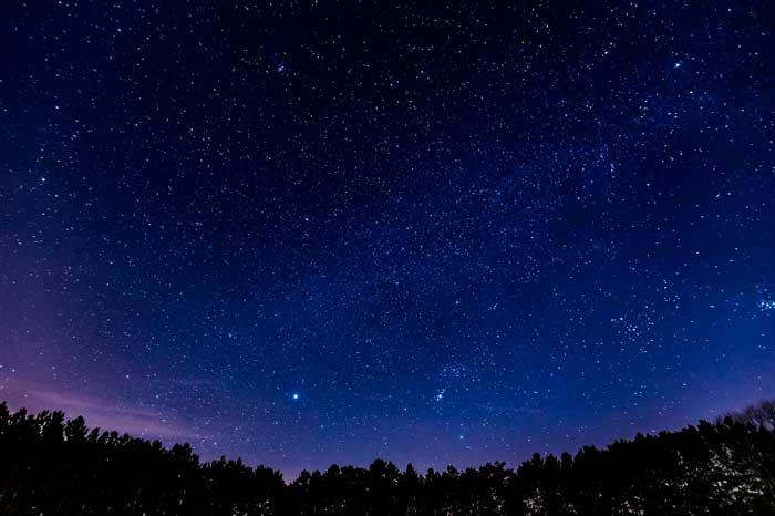 Observación de planetas y estrellas en el cielo de El Hierro con telescopio