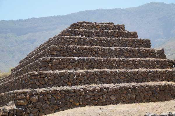 Pirámide del Parque Etnográfico de las Pirámides de Güimar en Tenerife
