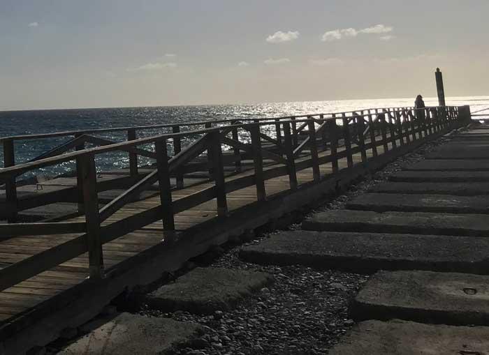 Pasarela de madera en Playa de Santiago, La Gomera