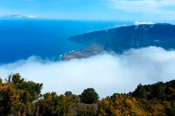 Vistas desde el Pico Malpaso en la Isla de El Hierro