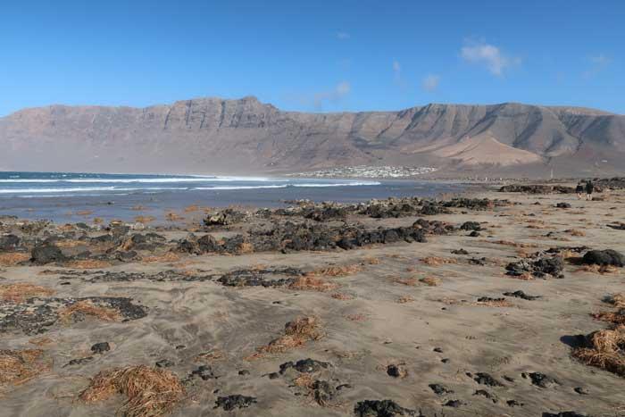 Playa de Famara, uno de los imprescindibles de Lanzarote