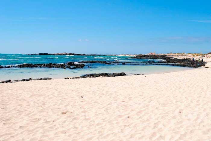 Playa de los Lagos en El Cotillo en el norte de Fuerteventura