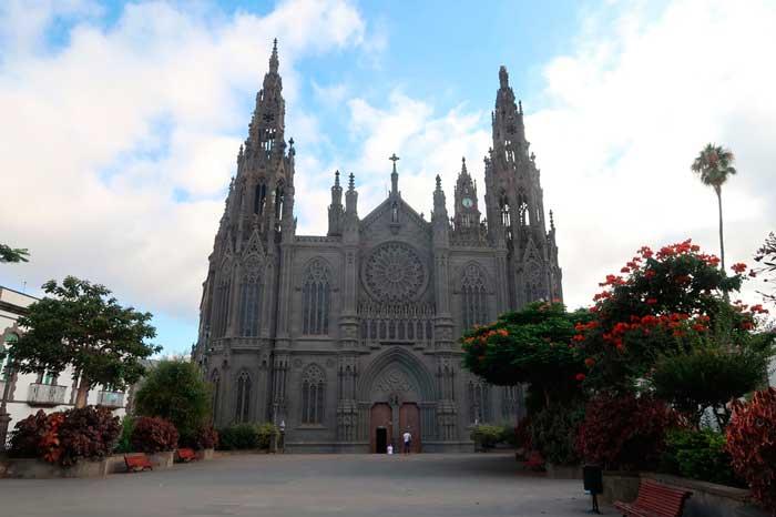 Iglesia de Arucas en Gran Canaria